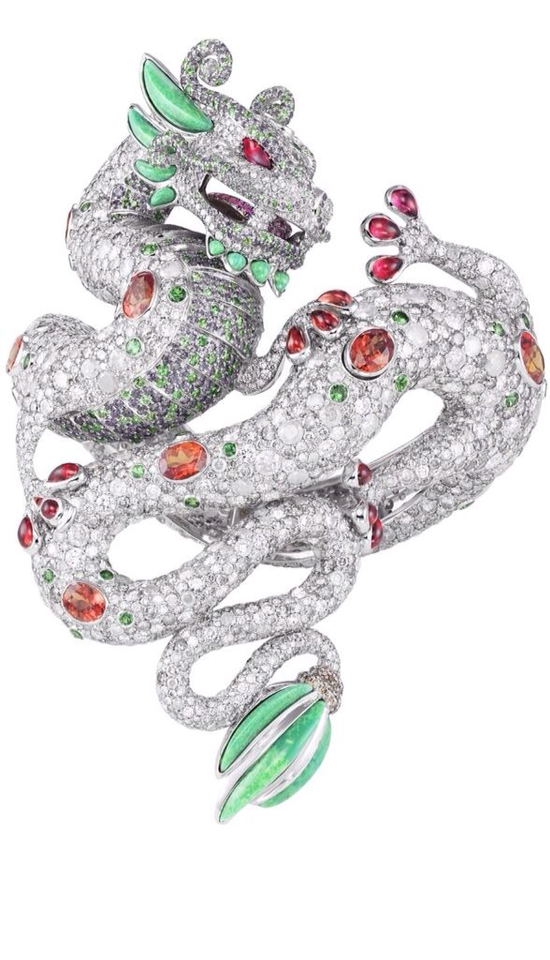 {Daily Jewel} Breathtaking Dragon Bracelet by Harumi for Chopard